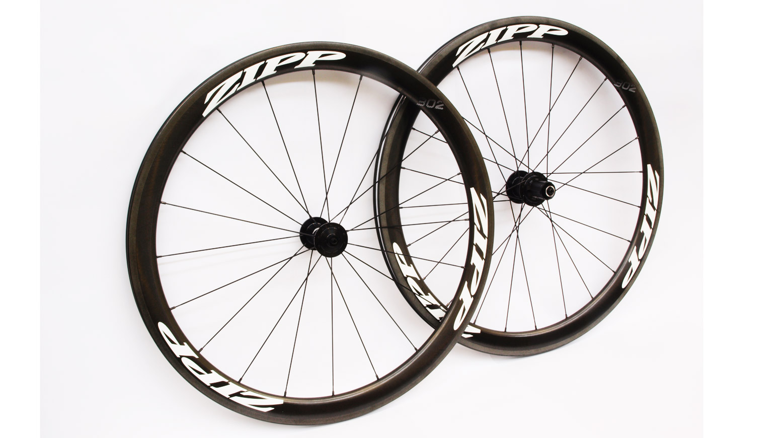 Test-Zipp-302-Carbon-Clincher